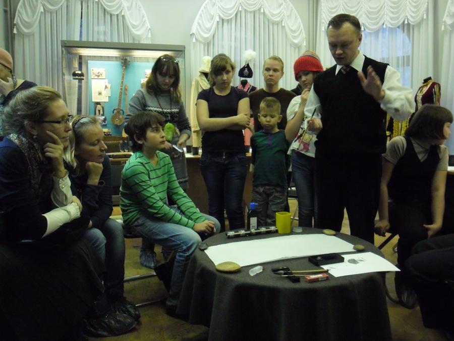 В Пермском краеведческом музее учились писать по-китайски - фото 1