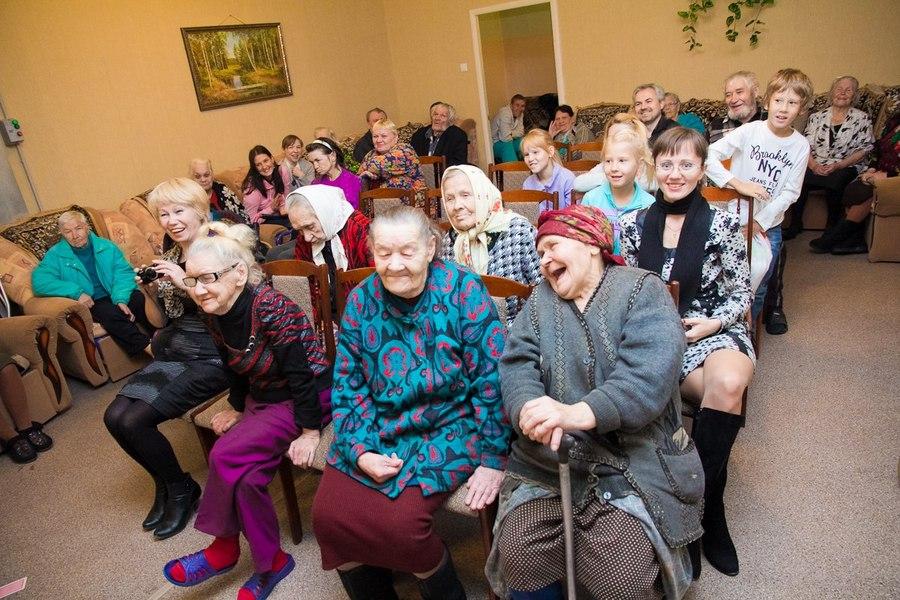 Пермские волонтеры побывали в краснокамском Доме престарелых