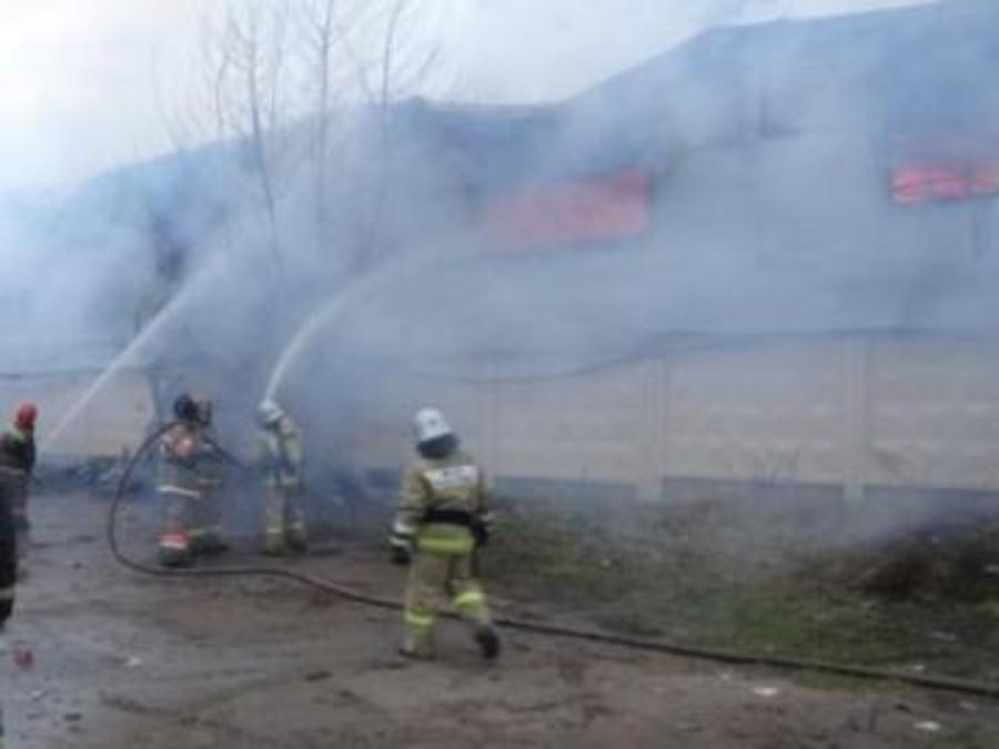 В Перми горел склад бытовой химии - фото 1