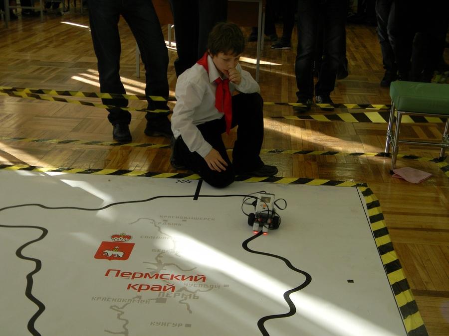 На соревнованиях в Перми первое место - у робота-мусоросборщика