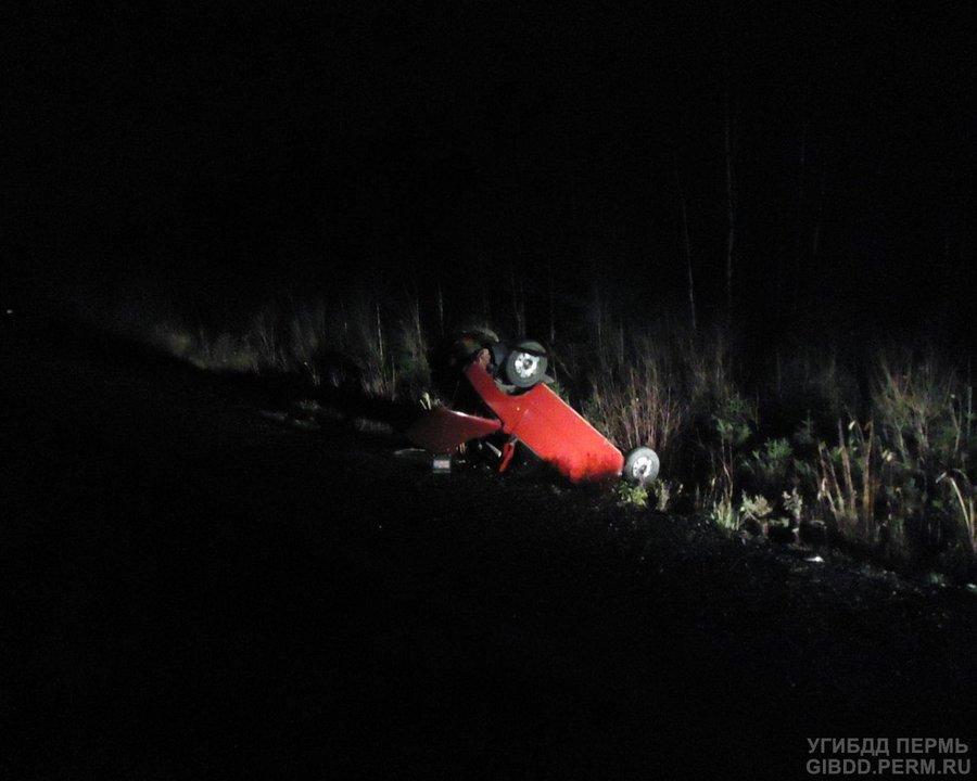 В Усольском районе перевернулись два автомобиля, один из водителей погиб