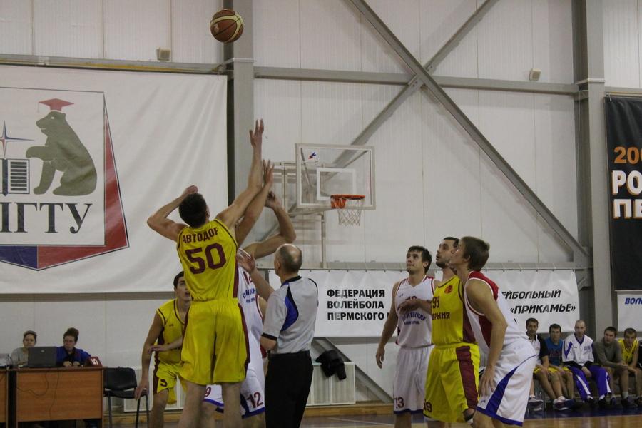 Пермские баскетболистысегодня играли со «шваброй»!