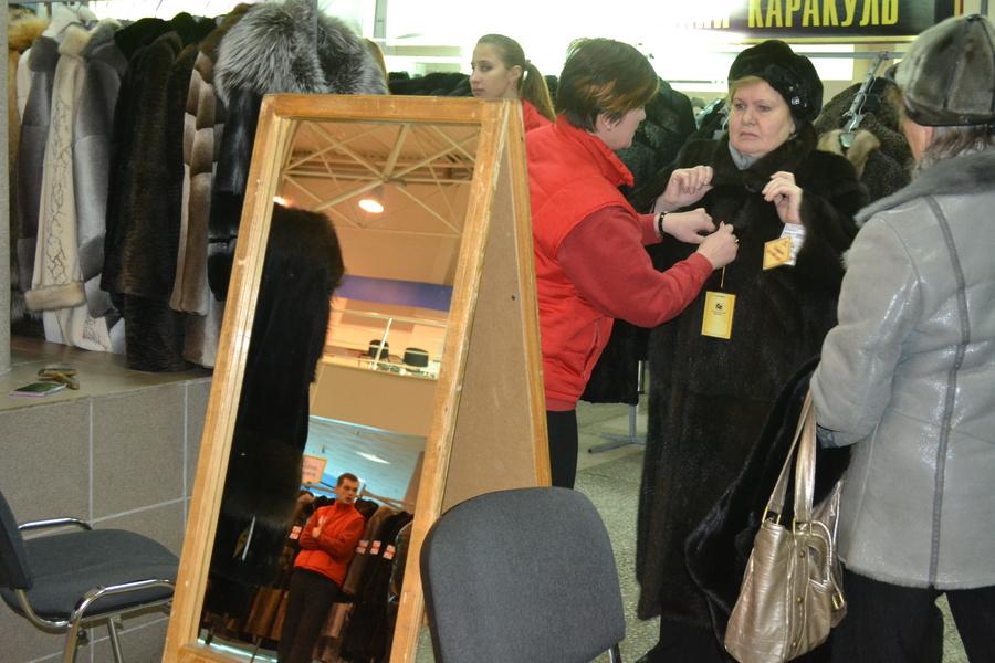 В Перми проходит выставка-продажа шуб и дубленок