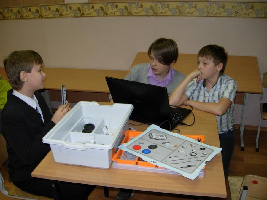 В Перми школьники строят роботы - фото 1