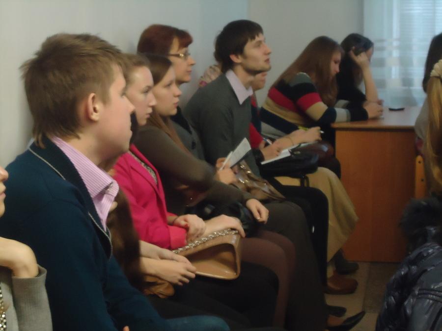 Телеведущая Эвелина Закамская дала полезные советы будущим журналистам - фото 1