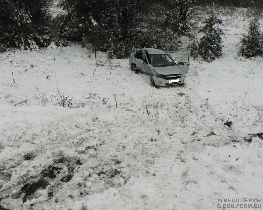 В Кудымкарском районе в ДТП одна девушка погибла, другая — попала в больницу