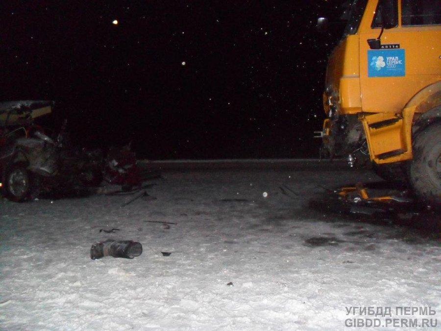 В Пермском районе в столкновении с Камазом погиб водитель «восьмерки» - фото 1