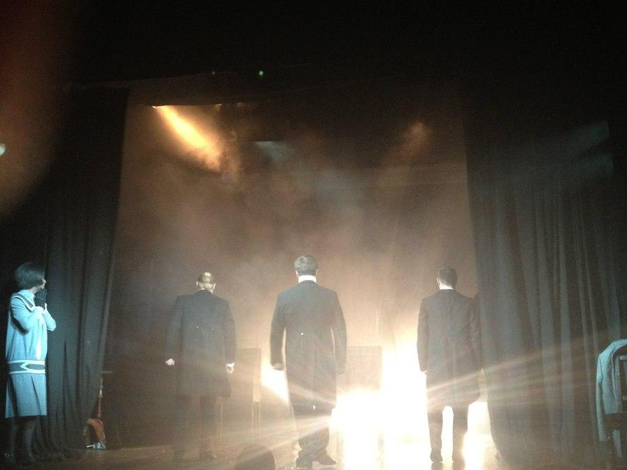 В пермском театре играли актеры, терменвокс и зрительницы