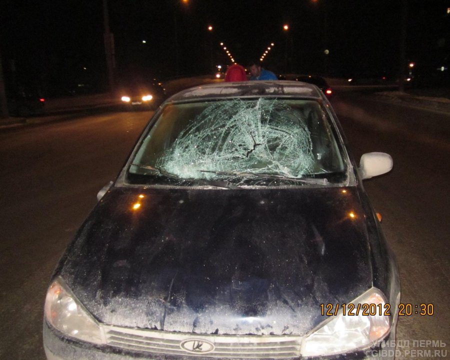В Индустриальном районе девушка на Калине сбила двух девушек, переходивших дорогу