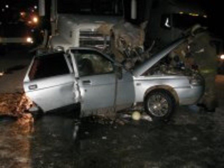 В Краснокамском районе ВАЗ врезался в фуру, водитель погиб - фото 1