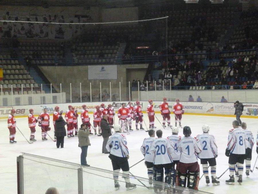 В Перми отметили 65 лет местного хоккея - фото 1