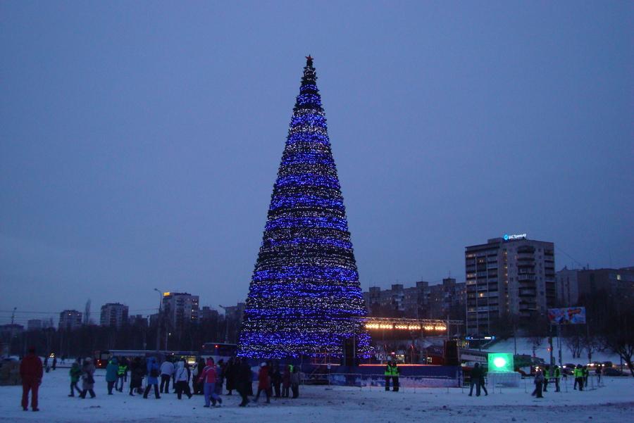 В Перми отпраздновали день рождения главной новогодней ёлки города