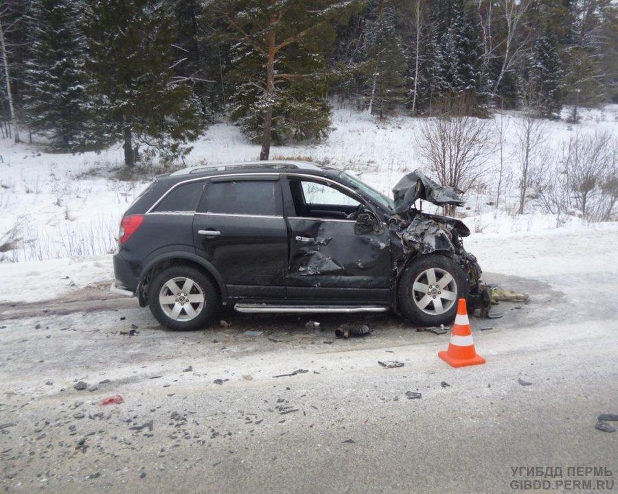 В Пермском районе в столкновении двух машин ранены четыре человека