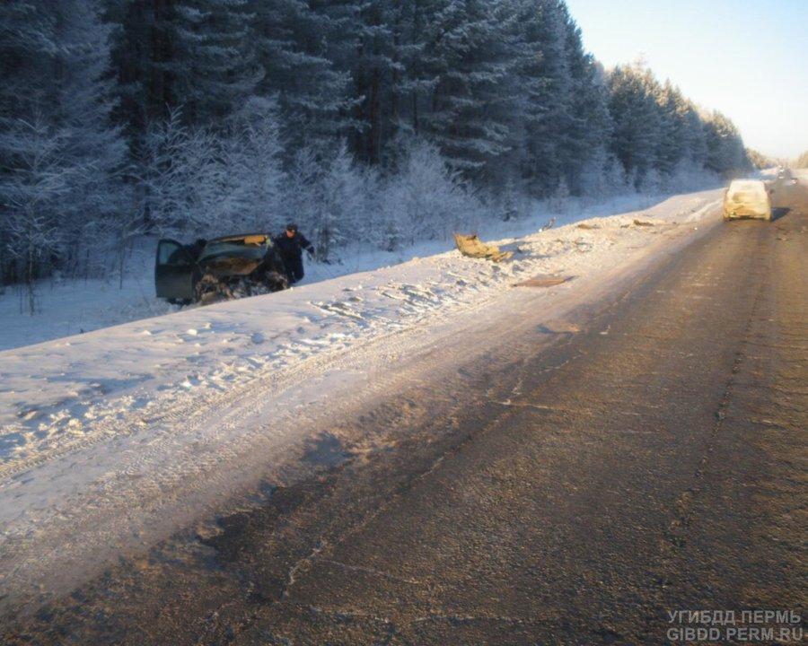 В ДТП в Соликамском районе один человек погиб, трое ранены - фото 1