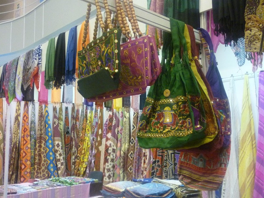 Гости из Индии приехали в Пермь на ярмарку с пустыми руками