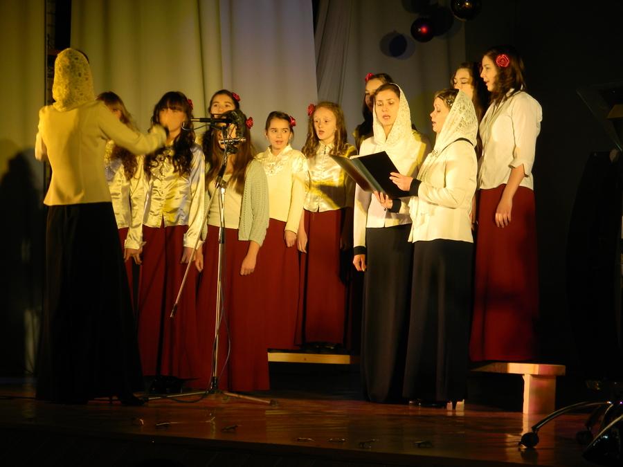 В Березниках прошел фестиваль рождественских песнопений