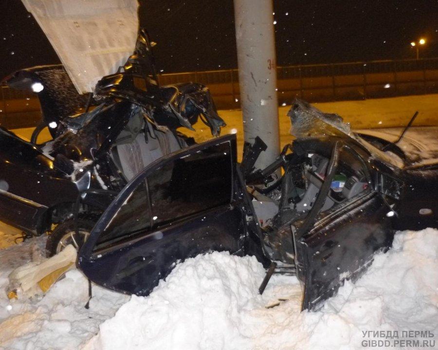 В Перми погиб водитель Мерседеса
