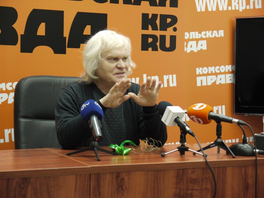В Перми Юрий Куклачёв пытался дрессировать журналистского кота - фото 2