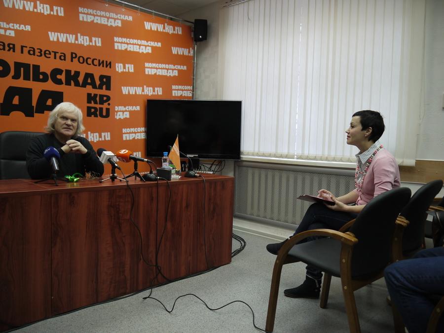 В Перми Юрий Куклачёв пытался дрессировать журналистского кота - фото 3