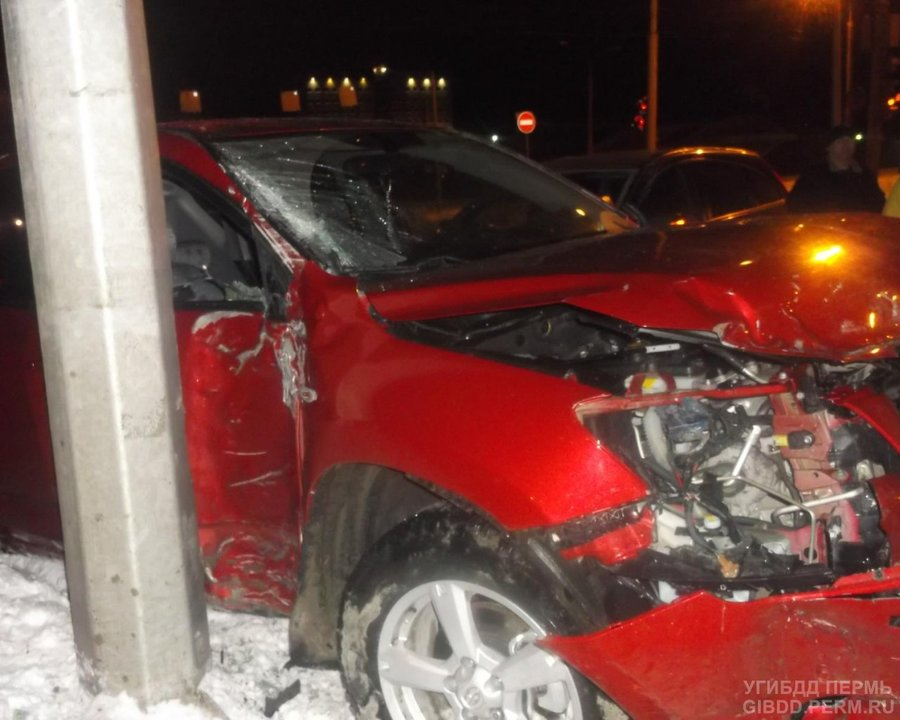В ДТП в Свердловском районе Перми пострадали два пассажира