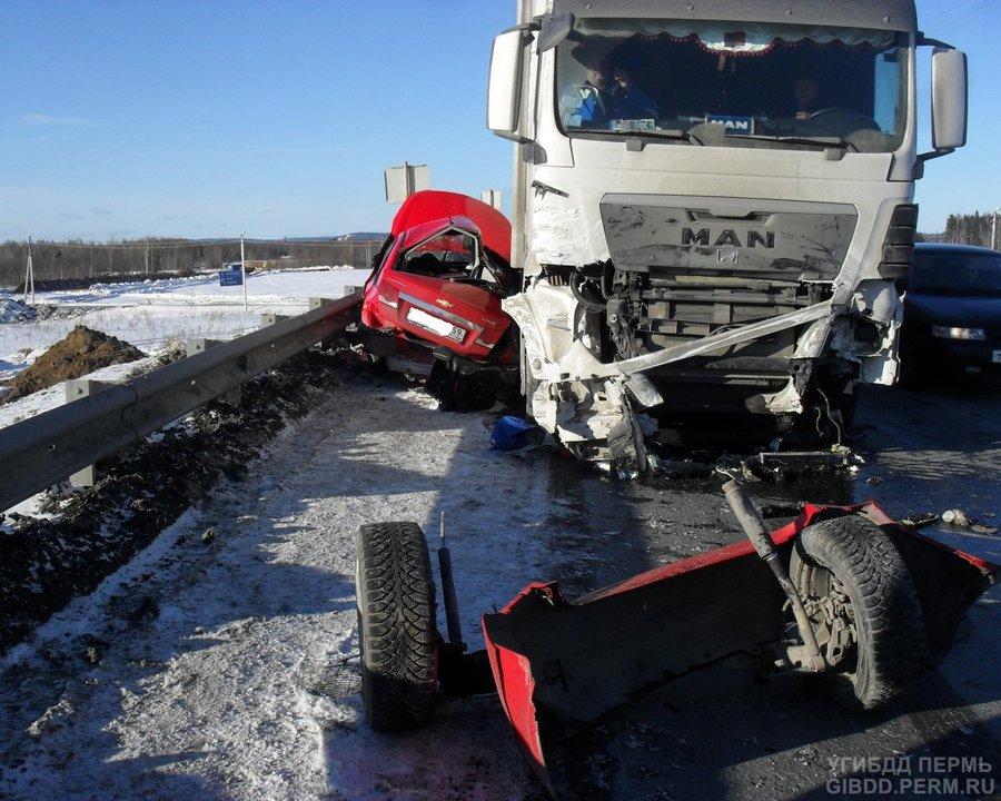 В Краснокамском районе в ДТП погибли два человека