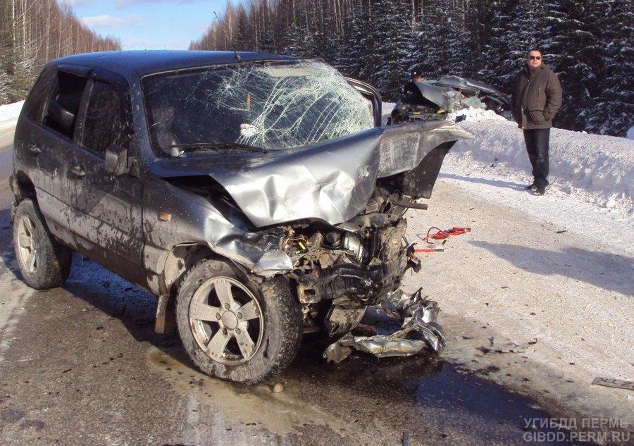 На автодороге Пермь — Березники погибли два человека - фото 1