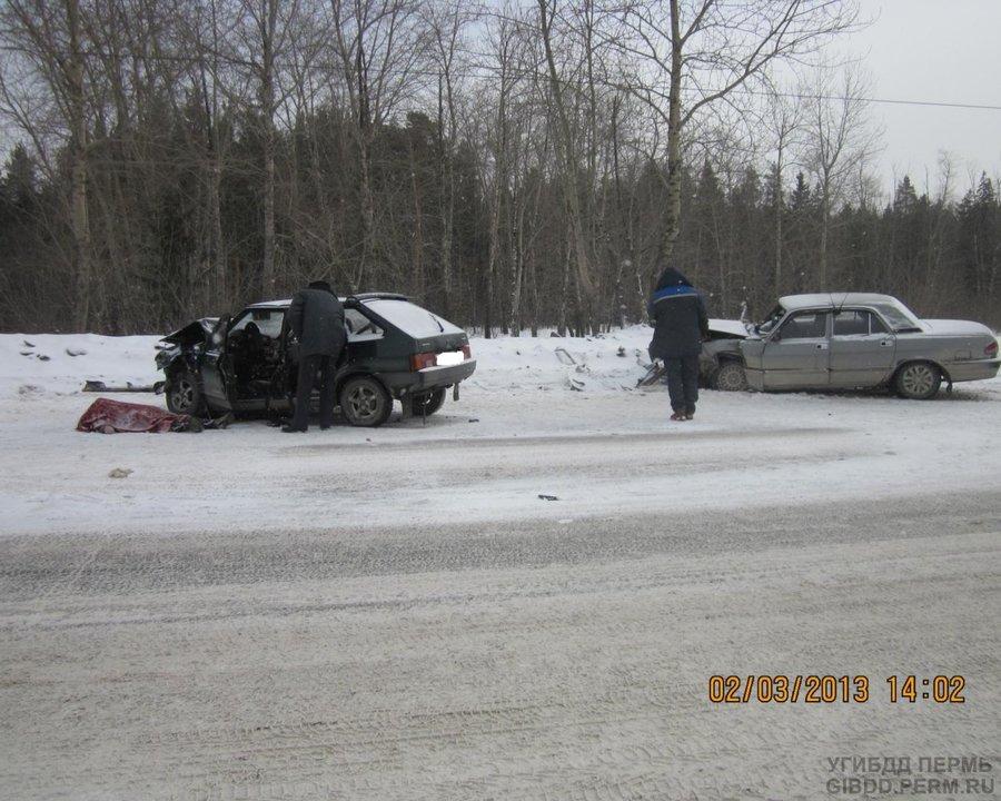 В Перми в лобовом столкновении погиб пенсионер, водитель «девятки»
