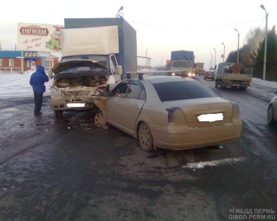 На трассе Пермь — Екатеринбург Тойота не уступила дорогу