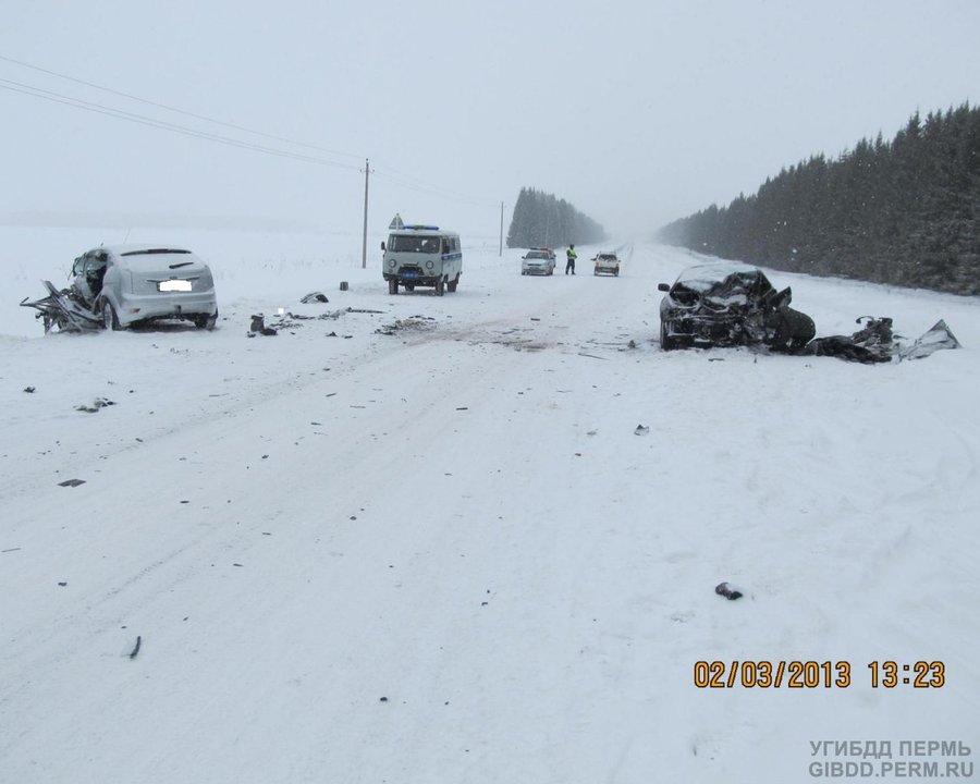 В Ординском районе в столкновении Тойоты и Форда один человек погиб, четверо ранены - фото 1