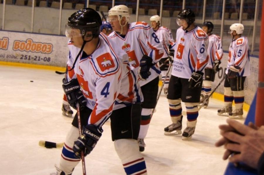 Ветераны пермского хоккея вновь вышли на лёд