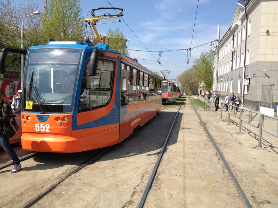 В Перми Мазда образовала затор из трамваев