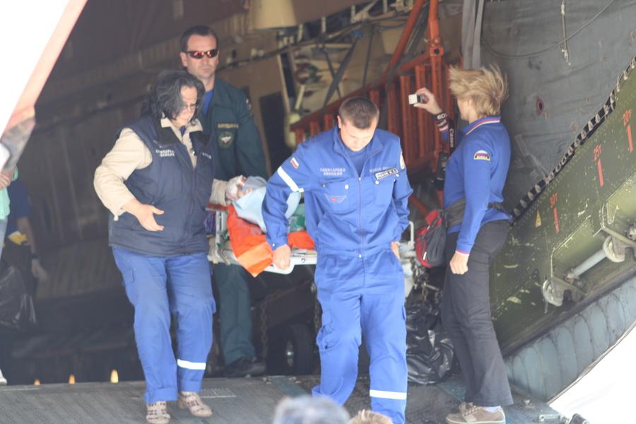 Соликамскую девочку переправили в Санкт-Петербург самолетом МЧС