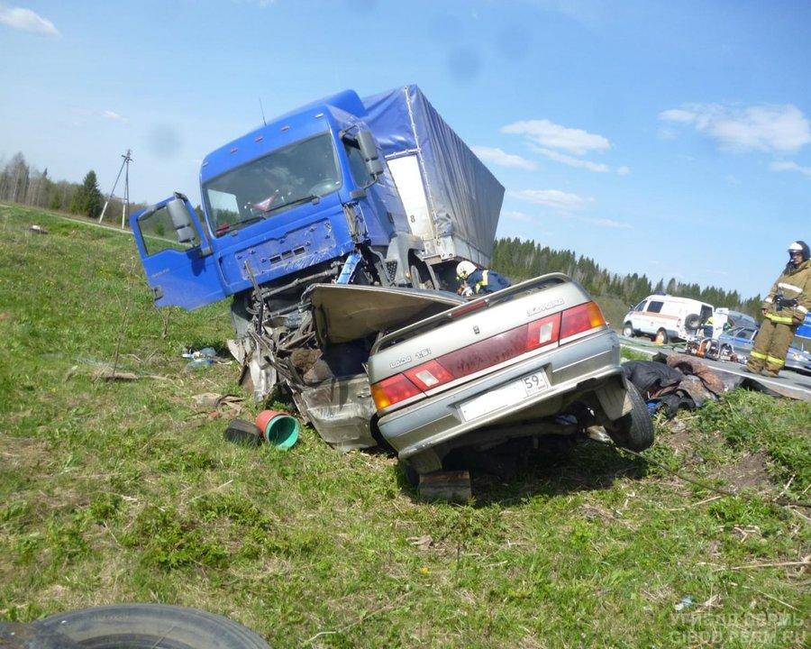 В ДТП на автодороге Кукуштан - Чайковский погибли два человека