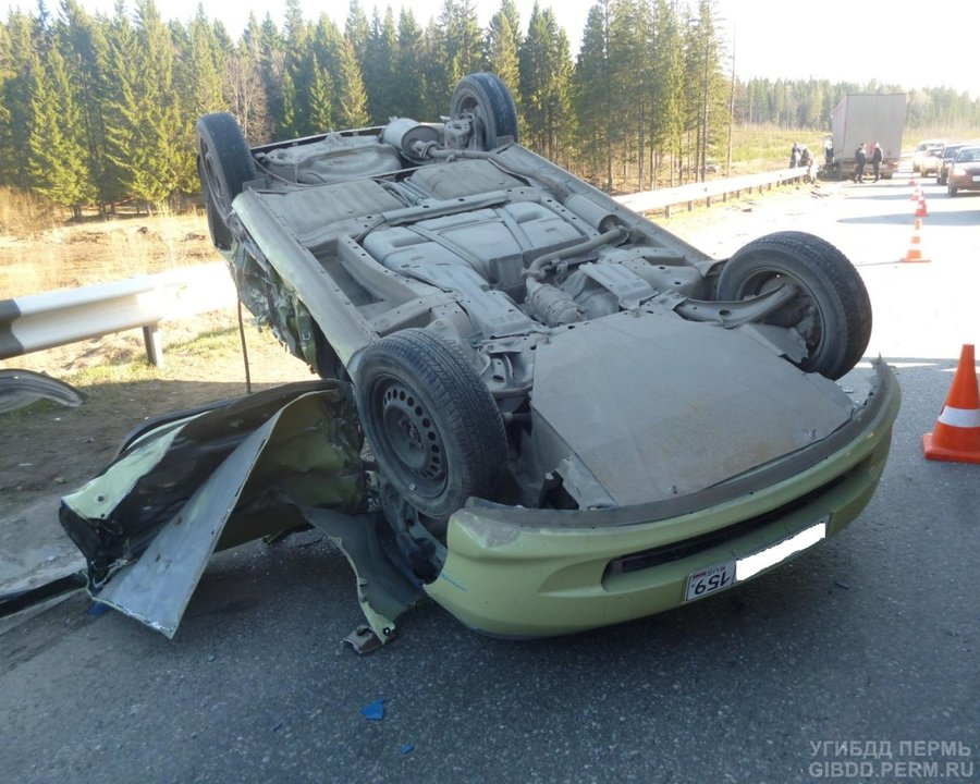 На Восточном обходе Перми в столкновении с фурой погиб водитель Хонды