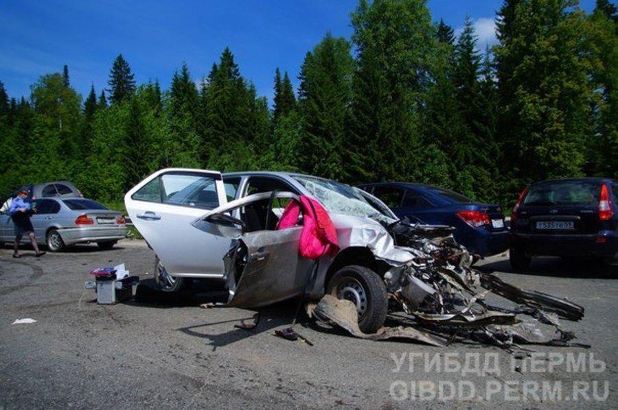 В Пермском районе в ДТП с участием 6 машин один человек погиб, четверо ранены - фото 1