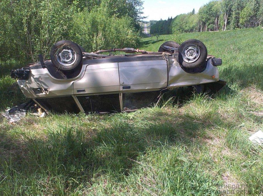 В Пермском крае в перевернувшейся «четверке» два пассажира ранены