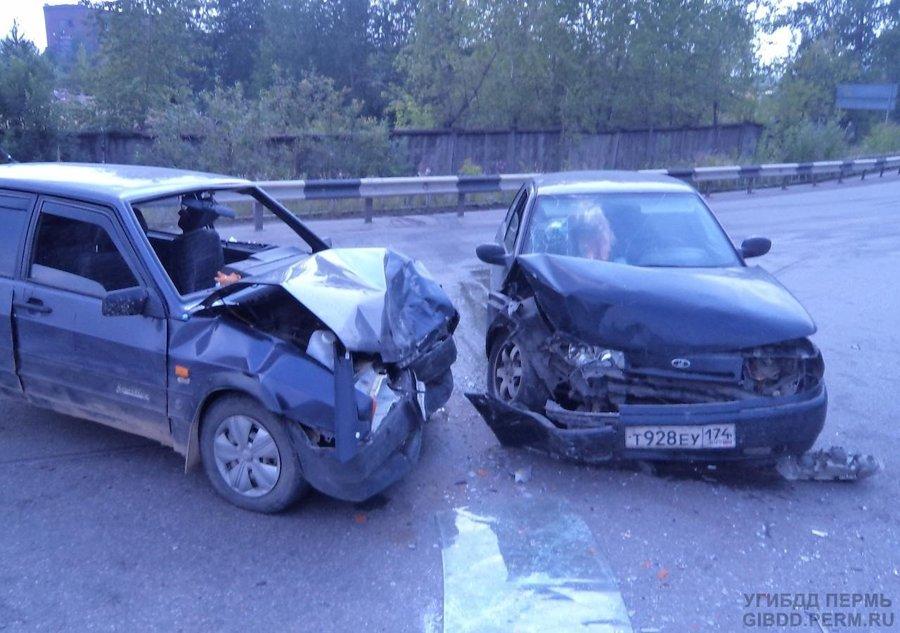 В Чусовом в ДТП пострадали три женщины-пассажира, водители целы