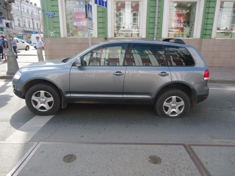 В Перми из салона машины похитили 2,3 млн рублей - фото 1