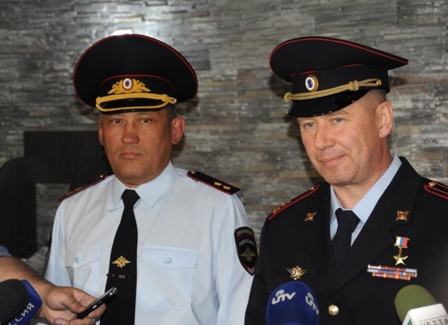 В Перми встречали полицейского-героя - фото 3