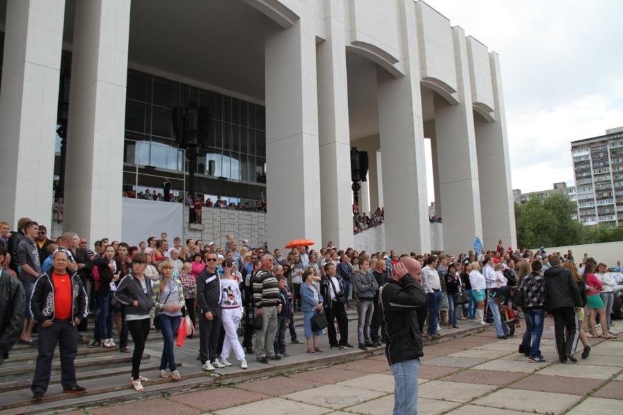В центре Перми прошло мотофристайл шоу - фото 1