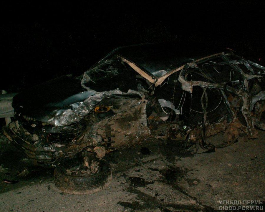 В Пермском крае в столкновении с фурой погибла водительница ВАЗа - фото 1