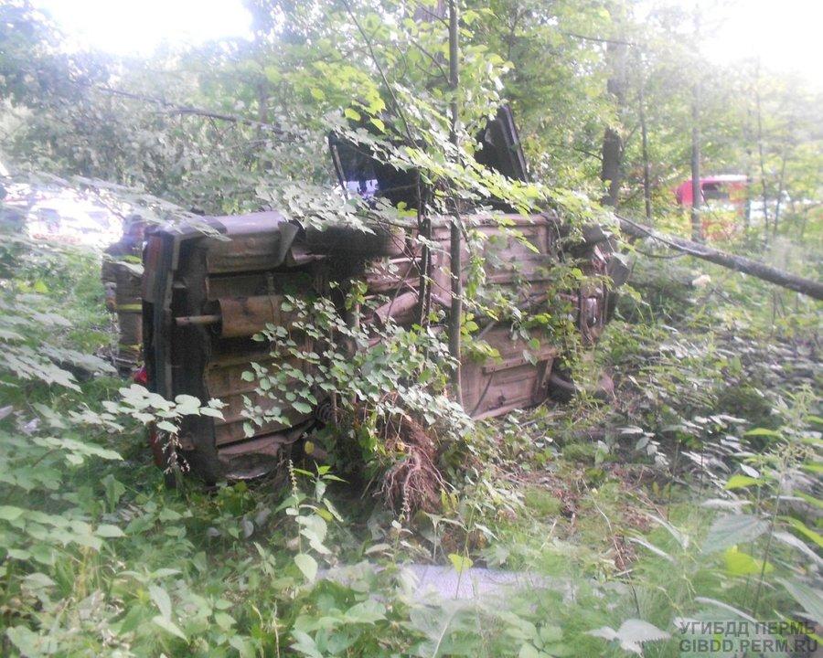 В Перми в перевернувшейся «семерке» погибла девушка,три человека ранены - фото 1