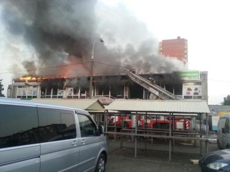 Сегодня ночью в Перми горел крупный торговый центр