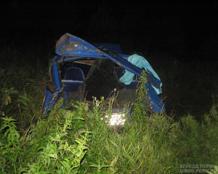 В Чайковском районе перевернулась «девятка», три человека ранены - фото 1