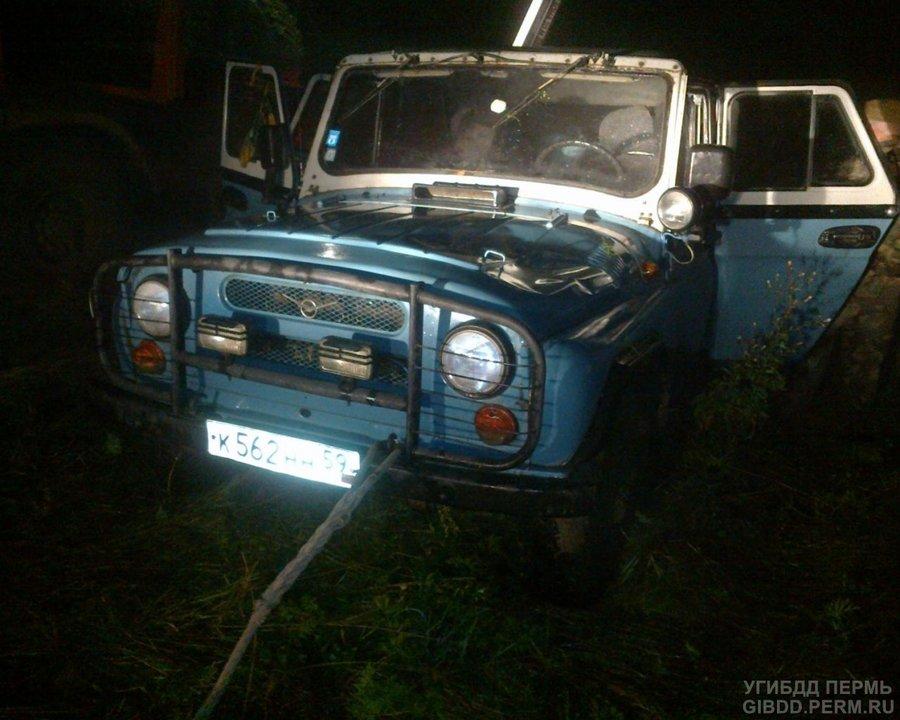 В Карагайском районе УАЗ упал в пруд