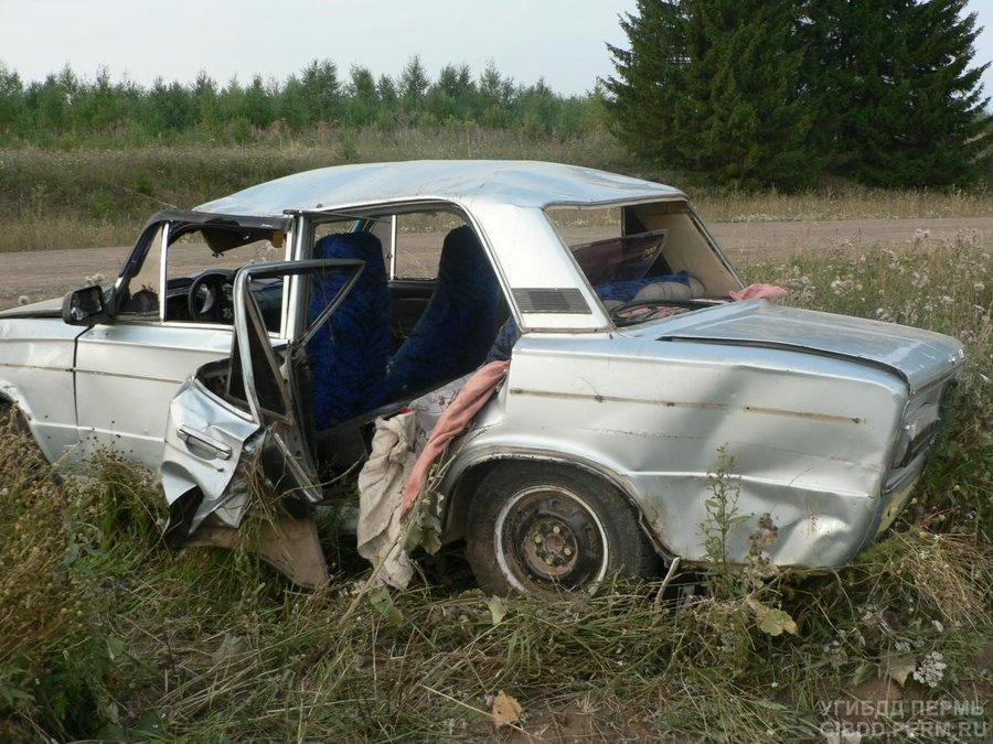 В Кудымкарском районе в перевернувшейся «шестерке» травмированы двое взрослых и шестиклассник - фото 1