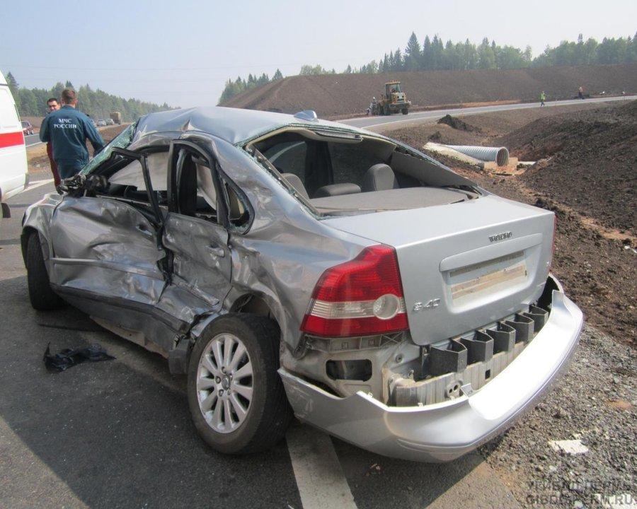 В Перми водитель Вольво не предоставил преимущества фуре и погиб - фото 1