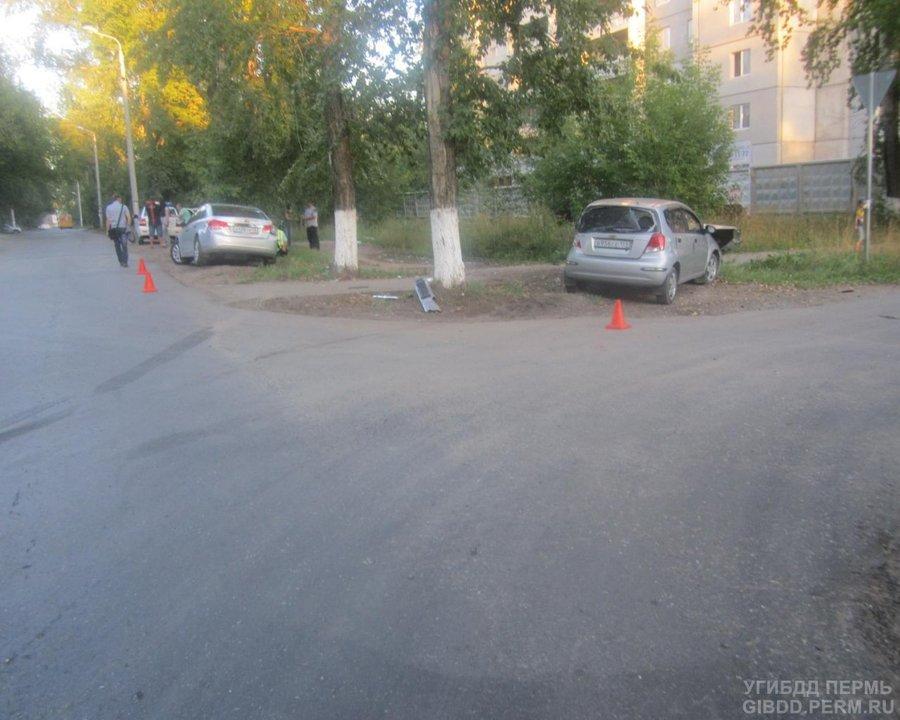 В Перми в столкновении двух Шевроле пострадали оба водителя