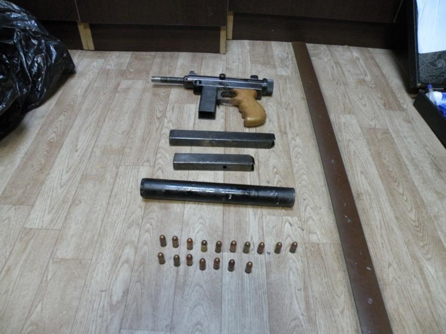 В Чайковском полиция обнаружила схрон с оружием - фото 1