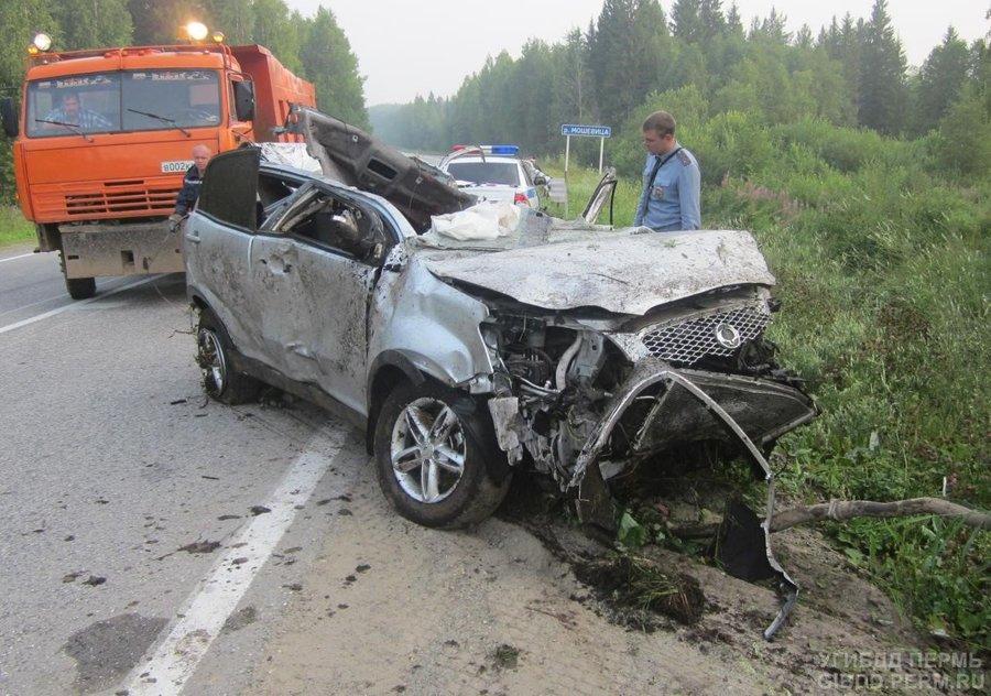 В Соликамском районе погиб водитель внедорожника
